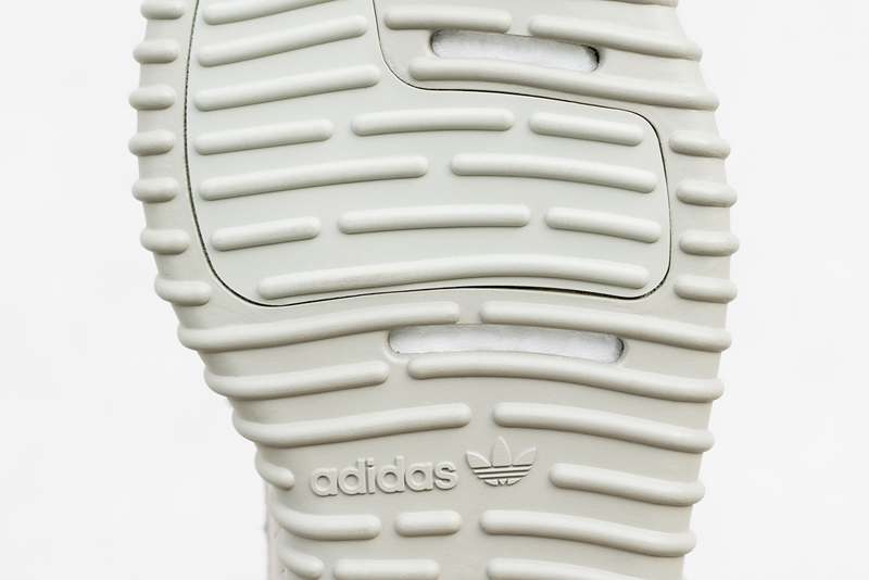 adidas-yeezy-boost-350-moonrock-close-up-03